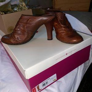 """Gianni Bini Leather Mules 3.5"""""""